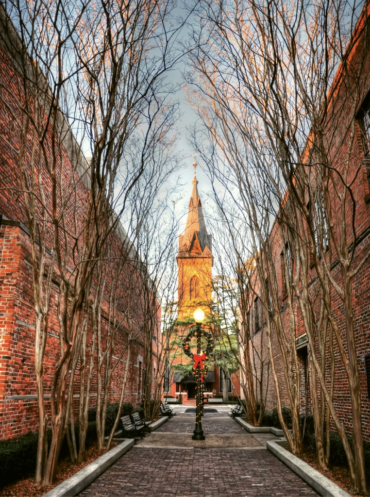 Cobblestone-lined streets, quaint alleyways and historic sites charm New Bern visitors year-round, but especially at Christmas.