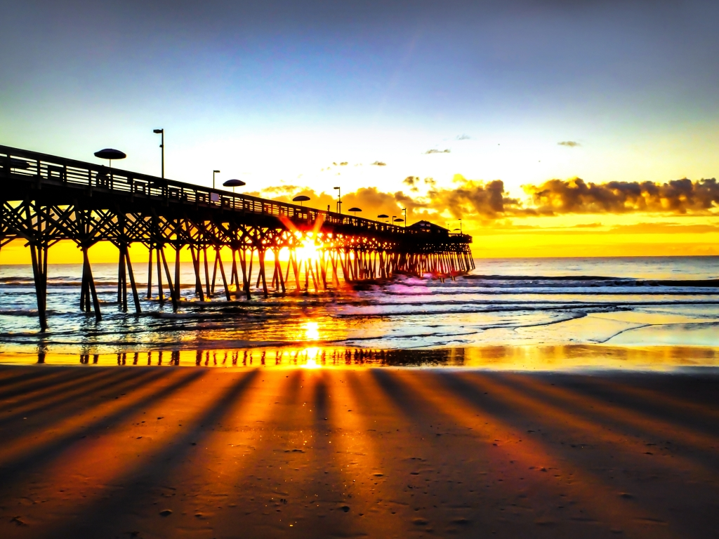 4th of July Sunrise, Photographer: Jamie Gainey, Where: Second Avenue Pier, Myrtle Beach