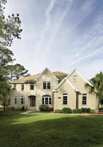 <p><br />The lovely brick home in the River Club inches up on 5,000 square feet with five bedrooms and five bathrooms on rolling grounds with golf course and pond views.</p>