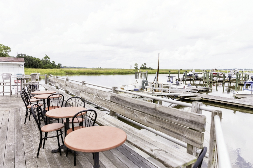 A Meal With A View:  Belle Isle, three miles south of Georgetown, allows visitors gorgeous views of Winyah Bay.