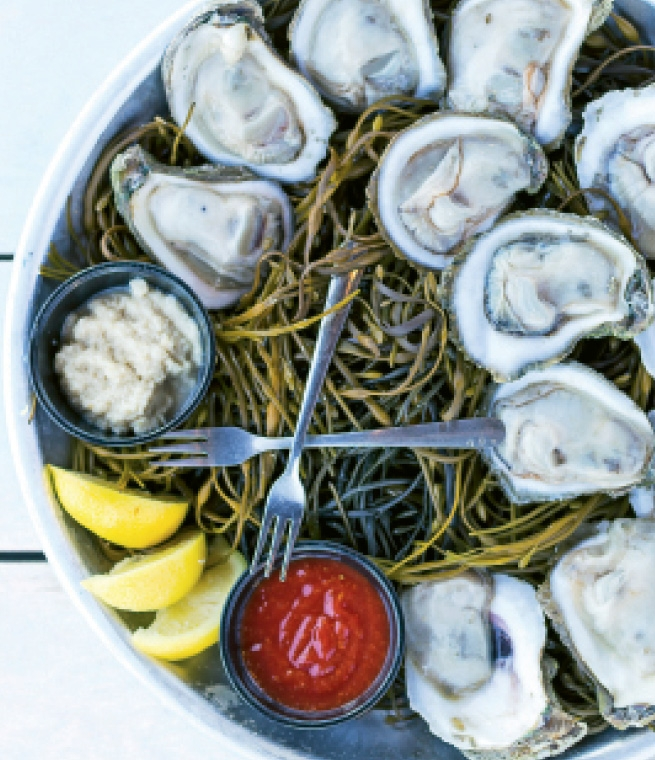 RipTydz' fresh-chilled seafood from the raw bar, like the Low Tyde