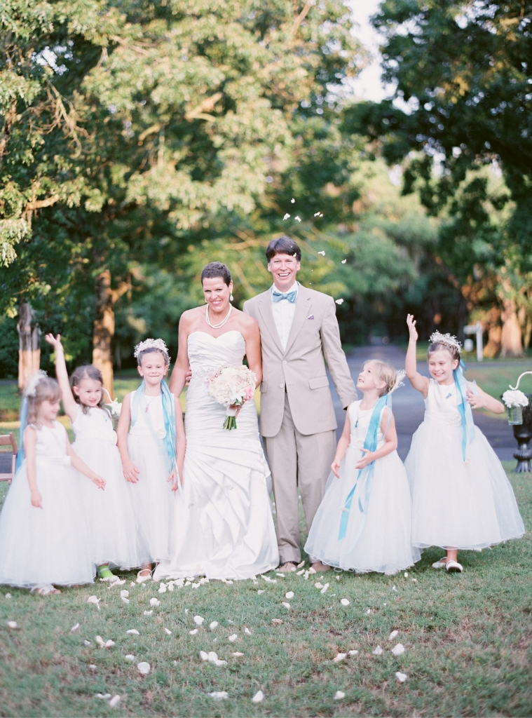 Pretty Power: Shannon powered through chemo to carry out a lovely wedding at Litchfield Plantation with a theme of simple elegance.