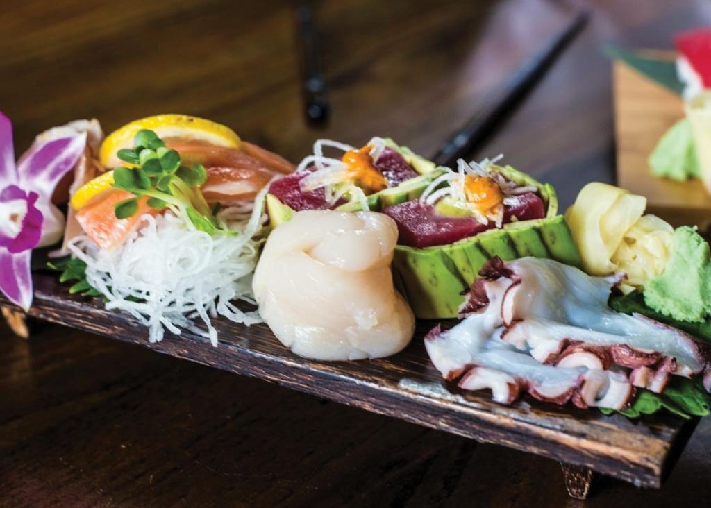 Oktopi's chef selected sashimi plate