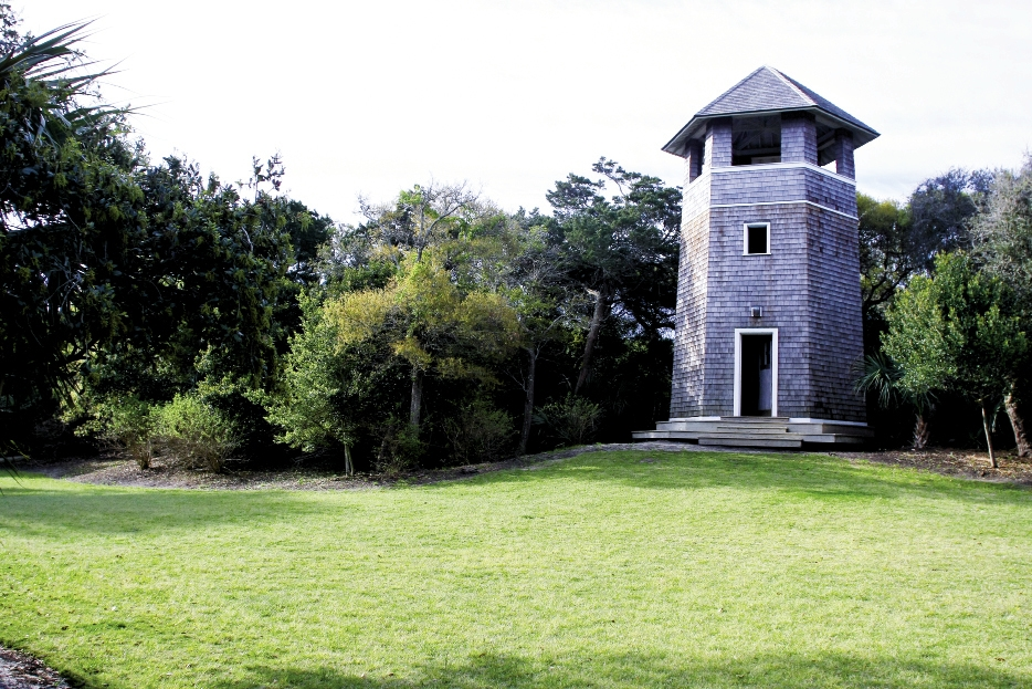 <p><br />	An observation tower sits within one of the many public parks on the island, which are accessible only by electric golf cart, bicycle, or on foot.</p>