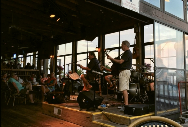 The 5 Best Restaurants With Live Music In The Myrtle Beach