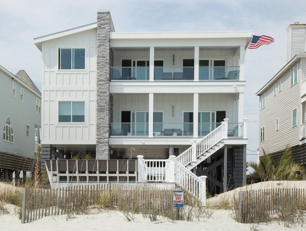 220 South Waccamaw Drive, Garden City Beach