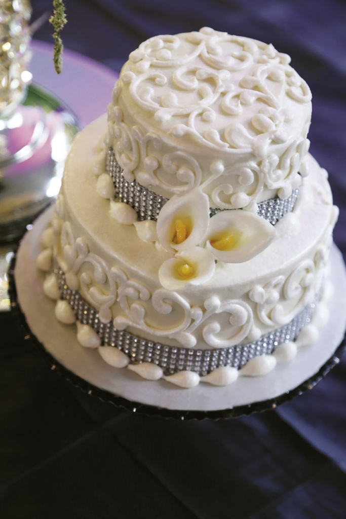 A mini, sugar-free version of the couple's wedding cake was prepared and served so all guests could enjoy a slice of cake.