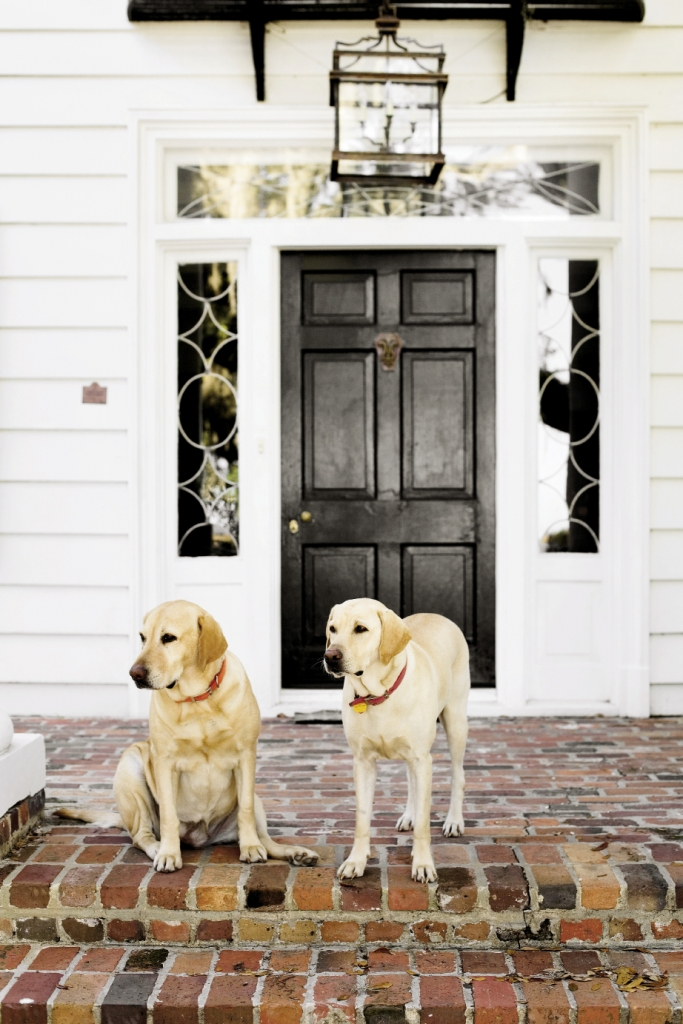The guides and hostesses of Estherville Plantation are this mother-daughter team, Moss and Millie.