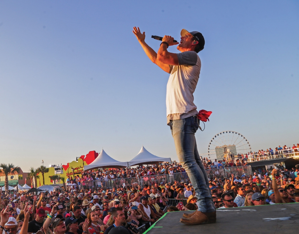 Granger Smith performed in the 2017 Carolina Country Music Fest.