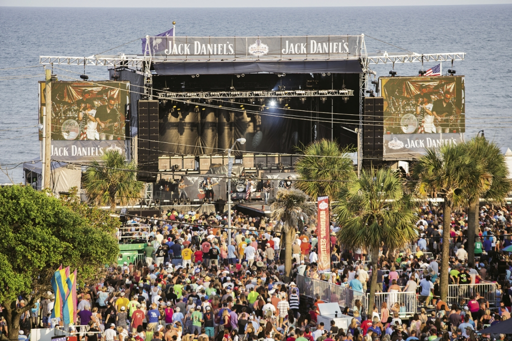 Bring on the Country: With the Atlantic Ocean as its backdrop, the inaugural  four-day Carolina County Music Fest drew upwards of 16,000 paid concertgoers,  infusing downtown Myrtle Beach with welcomed revenue.