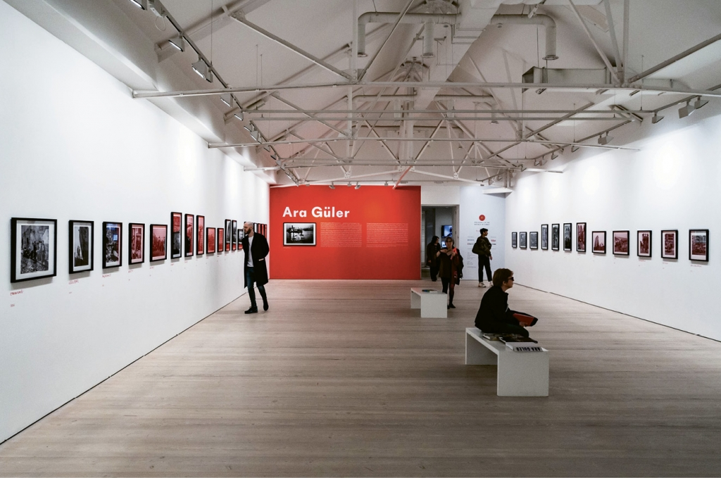 A retrospective of the works of Turkish photojournalist Ara Güler at Chelsea's Saatchi Gallery last spring.