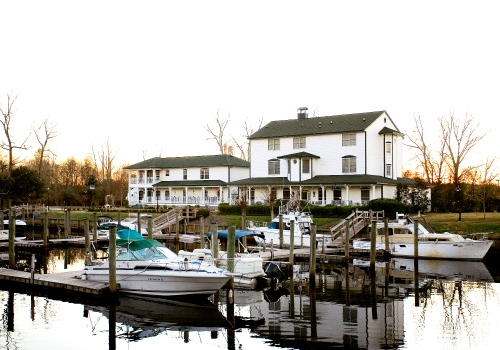The Cypress Inn, a AAA-rated Four Diamond property, shares its riverfront with the Conway Marina. Antique-filled rooms and a hearty Southern breakfast await visitors at the 12-room bed and breakfast.