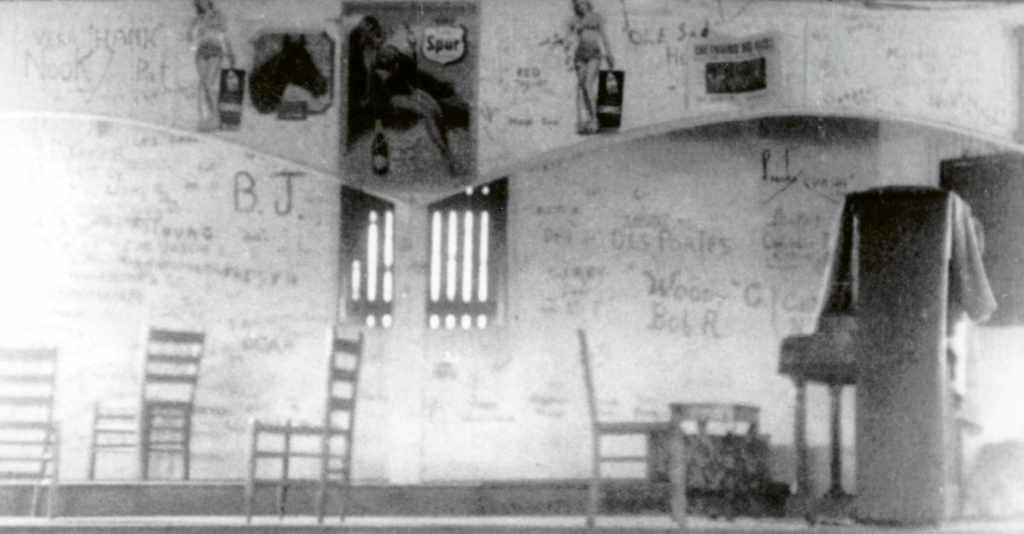 When the Lafayette Pavilion didn't have a band scheduled, music was provided by a jukebox, and a piano was also available for the musically inclined. As would be the case with the fourth pavilion, graffiti was encouraged.