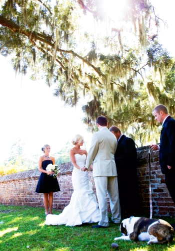 """Samantha and Scott said """"I Do"""" under the shade of a majestic 100-year-old oak tree."""